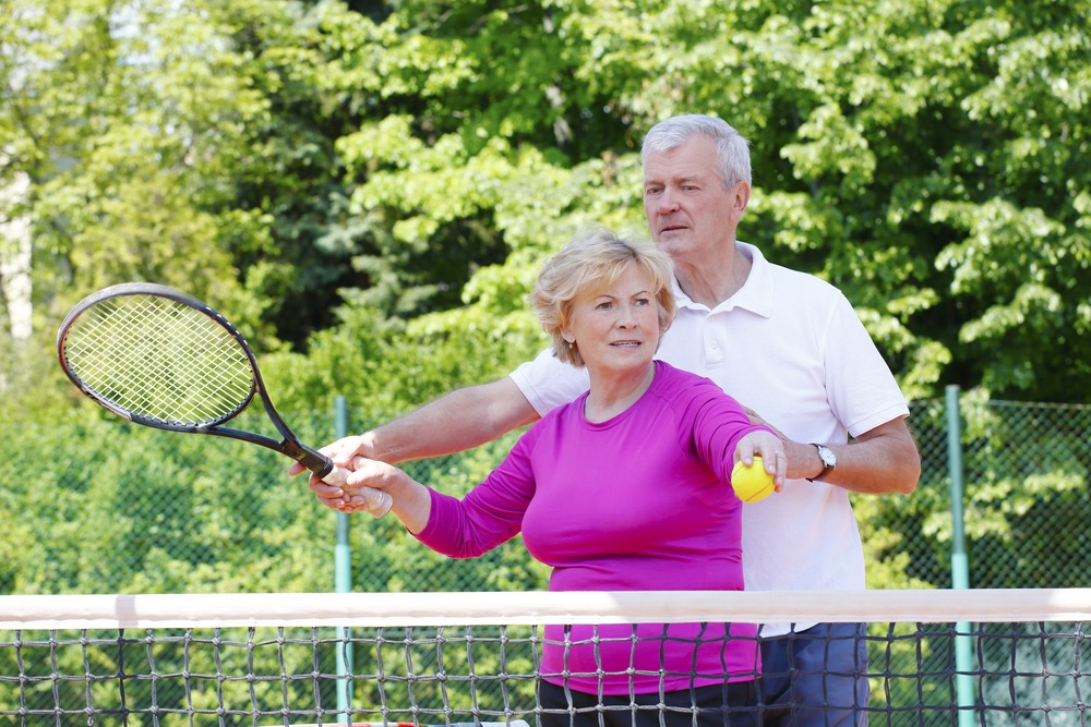 denture wearers playing tennis